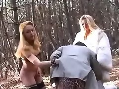 Winsome sunburnt tgirls and guy have orgy outdoors
