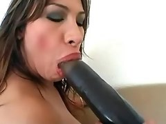 Tranny tries huge different dildos by her ass