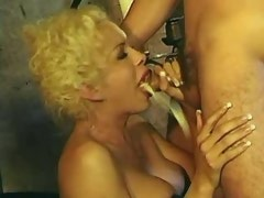 Guys n trannies have kinky gangbang with lots of cum